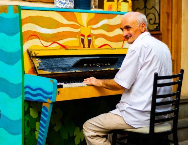 ピアノの椅子の位置②